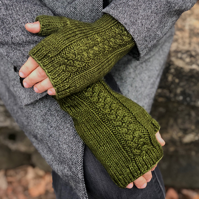 Lochmoor Mitts Hands Crossed